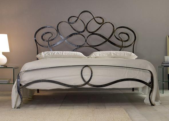 Moderno ed originale letto in ferro battuto for Letto ferro battuto moderno