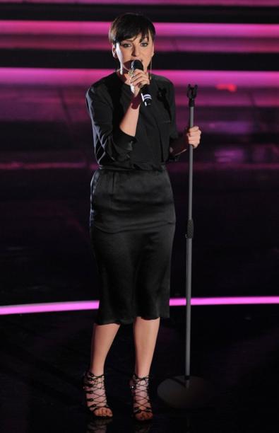 Festival di Sanremo 2012: Arisa indossa sul palco dell'Ariston dei sandali di Moreschi