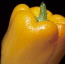 article page main ehow images a08 1d 5j cut yellow bell pepper 800x800