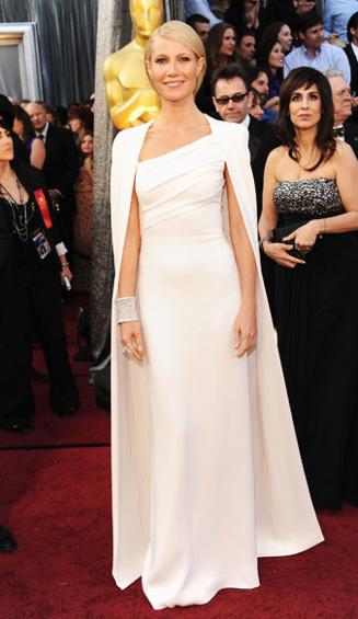 Gwyneth Paltrow: alla Notte degli Oscar 2012 indossa scarpe Jimmy Choo.