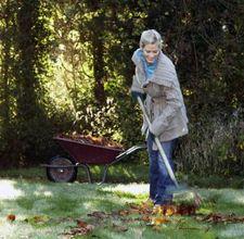 Come pulire il giardino per la primavera - Sacchi di terra per giardino ...