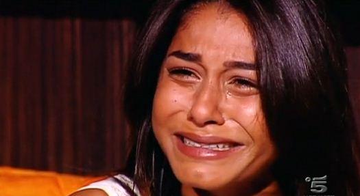 sabrina mbarek piange