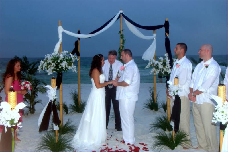 Matrimonio Spiaggia Bahamas : Idee per un matrimonio notturno in spiaggia notizie