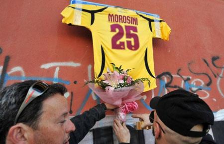 Morosini: Livorno e Vicenza ritirano la maglia numero 25. Il dolore dei compagni