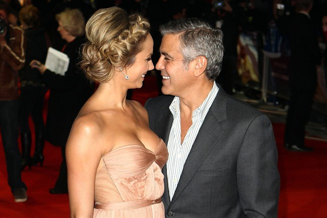 Stacey Keibler e George Clooney 650x435