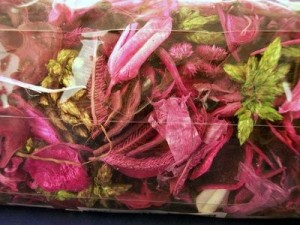 article new ehow images a05 mp dk clean dried flowers very dusty 800x800 300x225