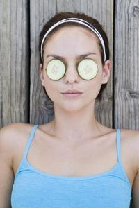 article new ehow images a07 o0 ap effect do cucumbers eyes 800x800