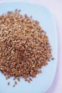 article new ehow images a07 or jk clean flaxseed before eating 800x800