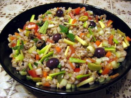 Ricette salate insalata di farro colorata for Cucinare e congelare