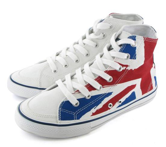 Le Sneakers con Union Jack di Gioseppo per il giubileo dei 60 del regno della Regina Elisabetta d'Inghilterra