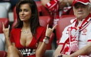 Natalia-Siwiec-sexy-poland-fan-euro-2012