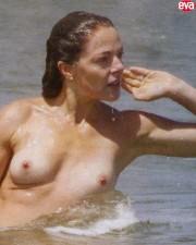claudia-gerini-topless