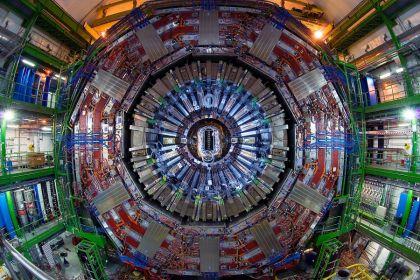 xl43 particella cern 120704103613 medium.jpg.pagespeed.ic .NPqALEz4OQ