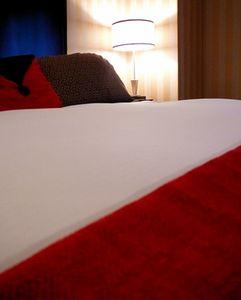 Come decorare una camera da letto con rosso e bianco - Come decorare camera da letto ...