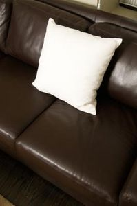 article new ehow images a07 i2 4p keep slipping off leather sofa 800x800