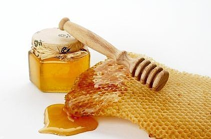 article new ehow images a01 up cn make honey egg facial mask 800x800