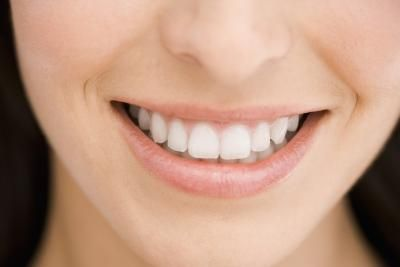 article new ehow images a08 4k 5a whiten teeth overnight home 800x800