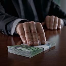Corruzione in Italia, perdite per 10 miliardi l'anno