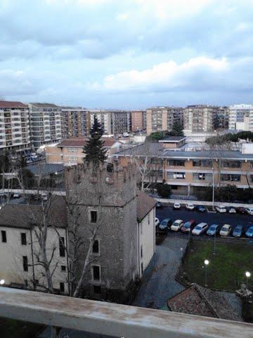 torre medievale zona lucio sestio roma
