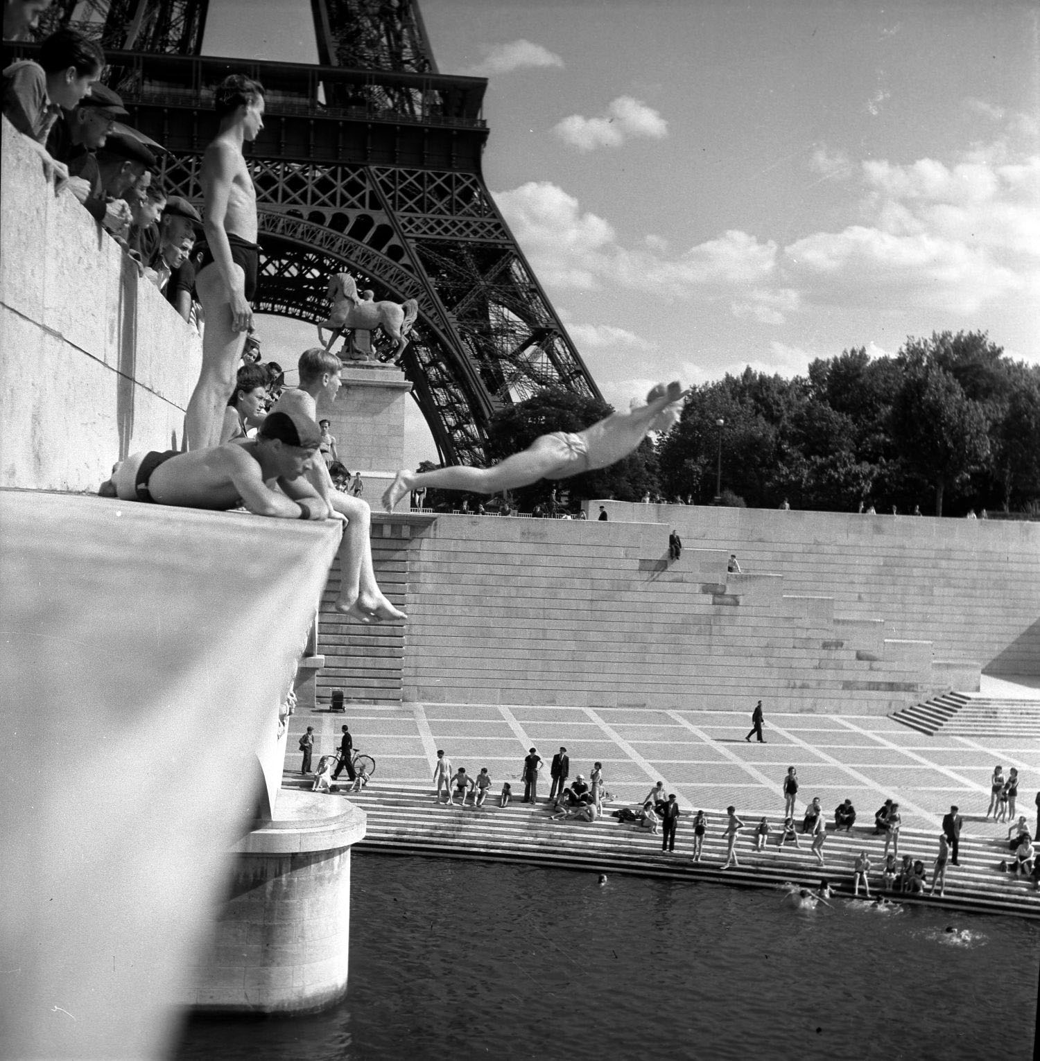 3 pont diena 1945 copyright atelier robert doisneau