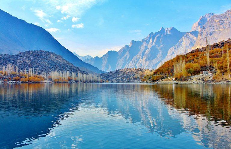 Un lago del fiume Indo