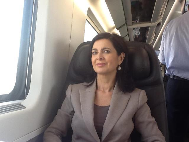 Laura Boldrini risponde alla lettera di Davide: omofobia presto un reato