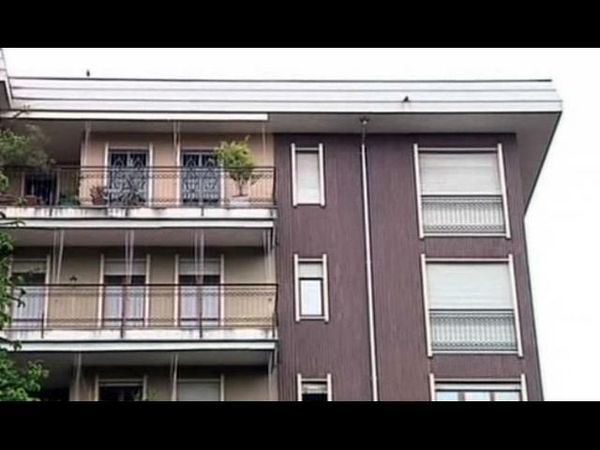 Figli gettati dalla finestra, condizioni stabili