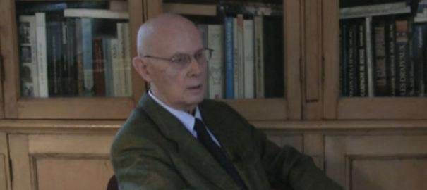 Suicidio del leader anti-gay nella cattedrale di Notre Dame