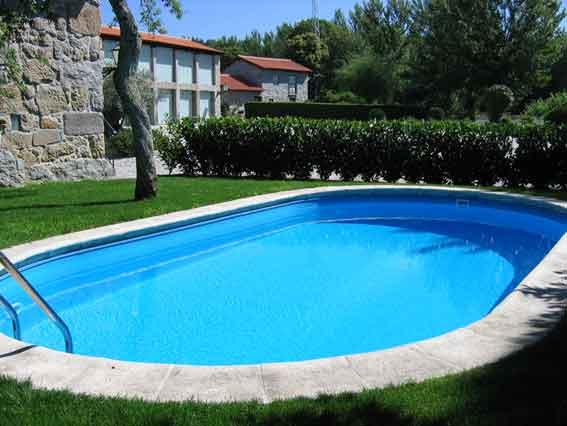 Aziende per la manutenzione della piscina for Cloro nelle piscine