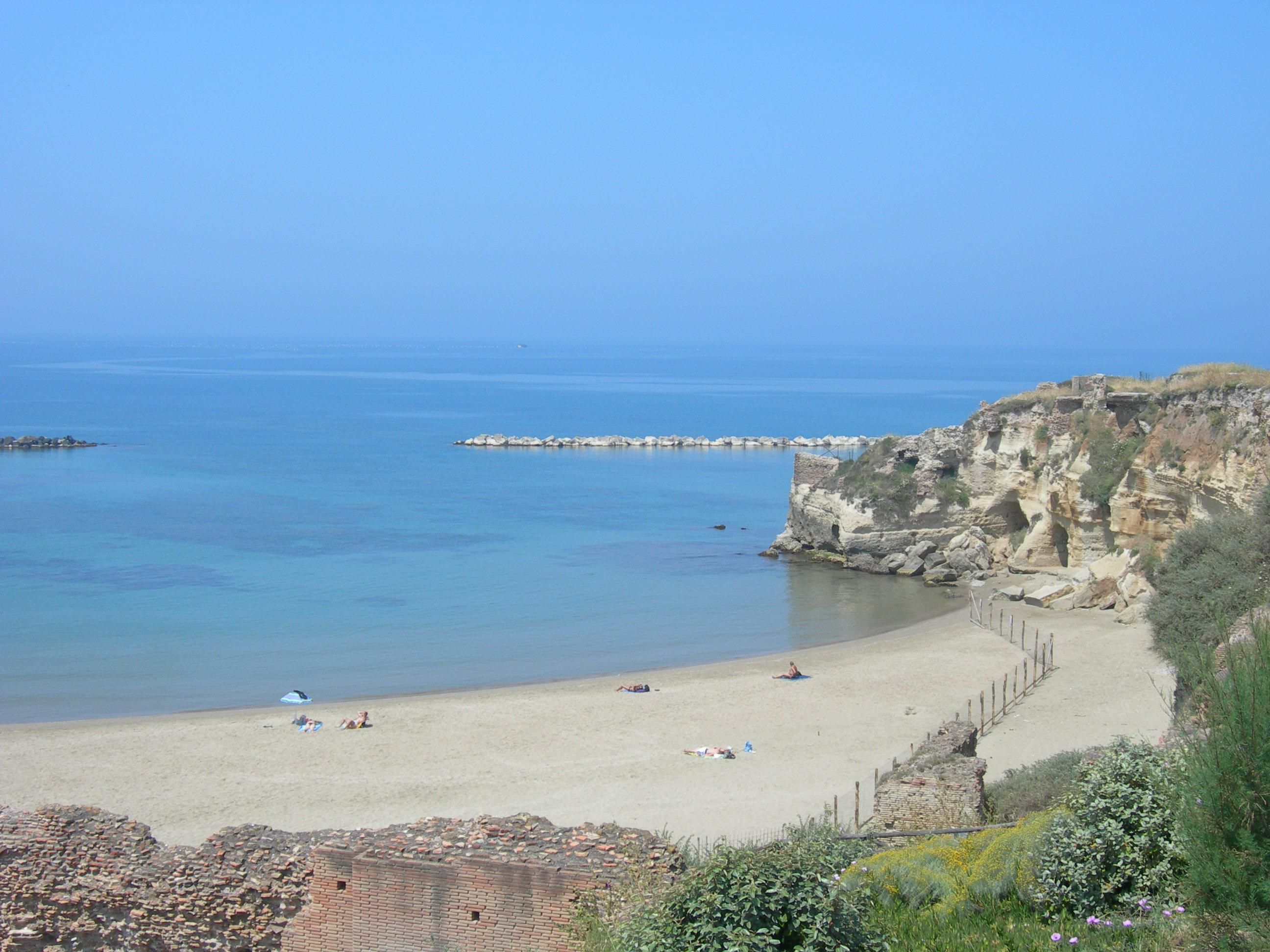 Spiaggia Grotte di Nerone