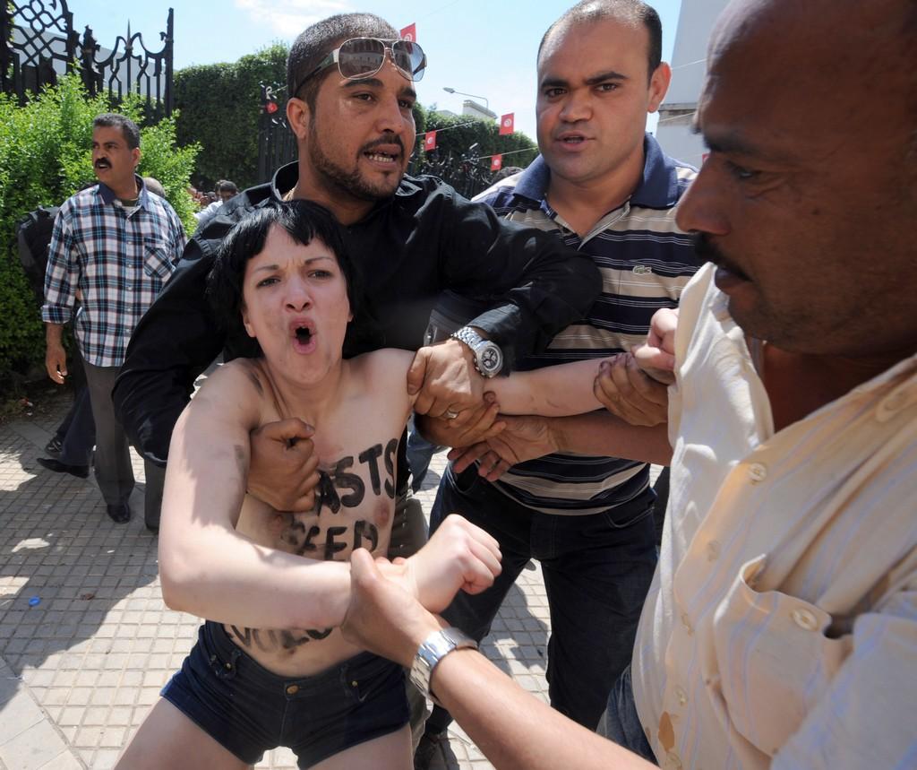 femen arrestate tunisia amina 7