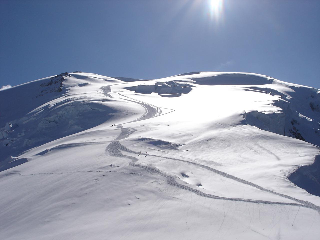 Elicottero Monte Bianco : Monte bianco parapendio precipita dopo incidente