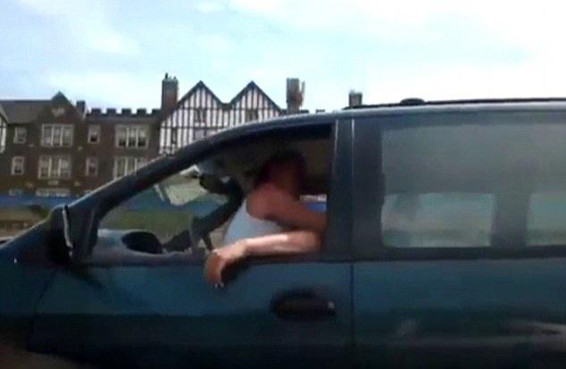 video di due persone che fanno l amore in macchina puttane di strada
