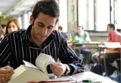 scuola esame studente1R400 thumb400x275