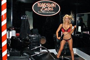 602664-barber-babes
