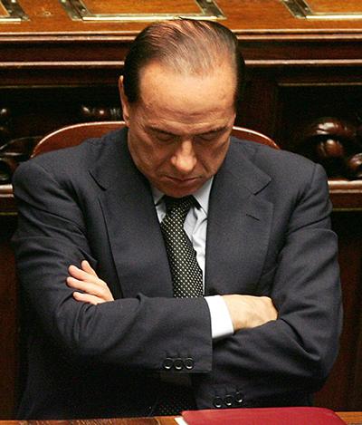 Berlusconi che dorme