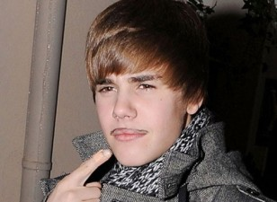awful-mustaches-justin-bieber