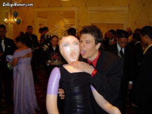 funny-prom-photo-blow-up-doll