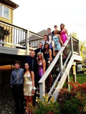 funny-prom-photo-forever-alone-group
