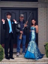funny-prom-photo-gun-dad