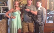 funny-prom-photo-gun-date