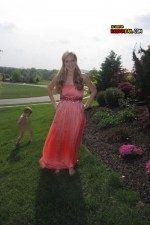 funny-prom-photo-naked-kid