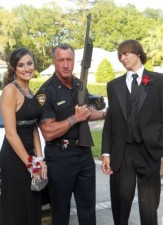 funny-prom-photo-shotgun-dad