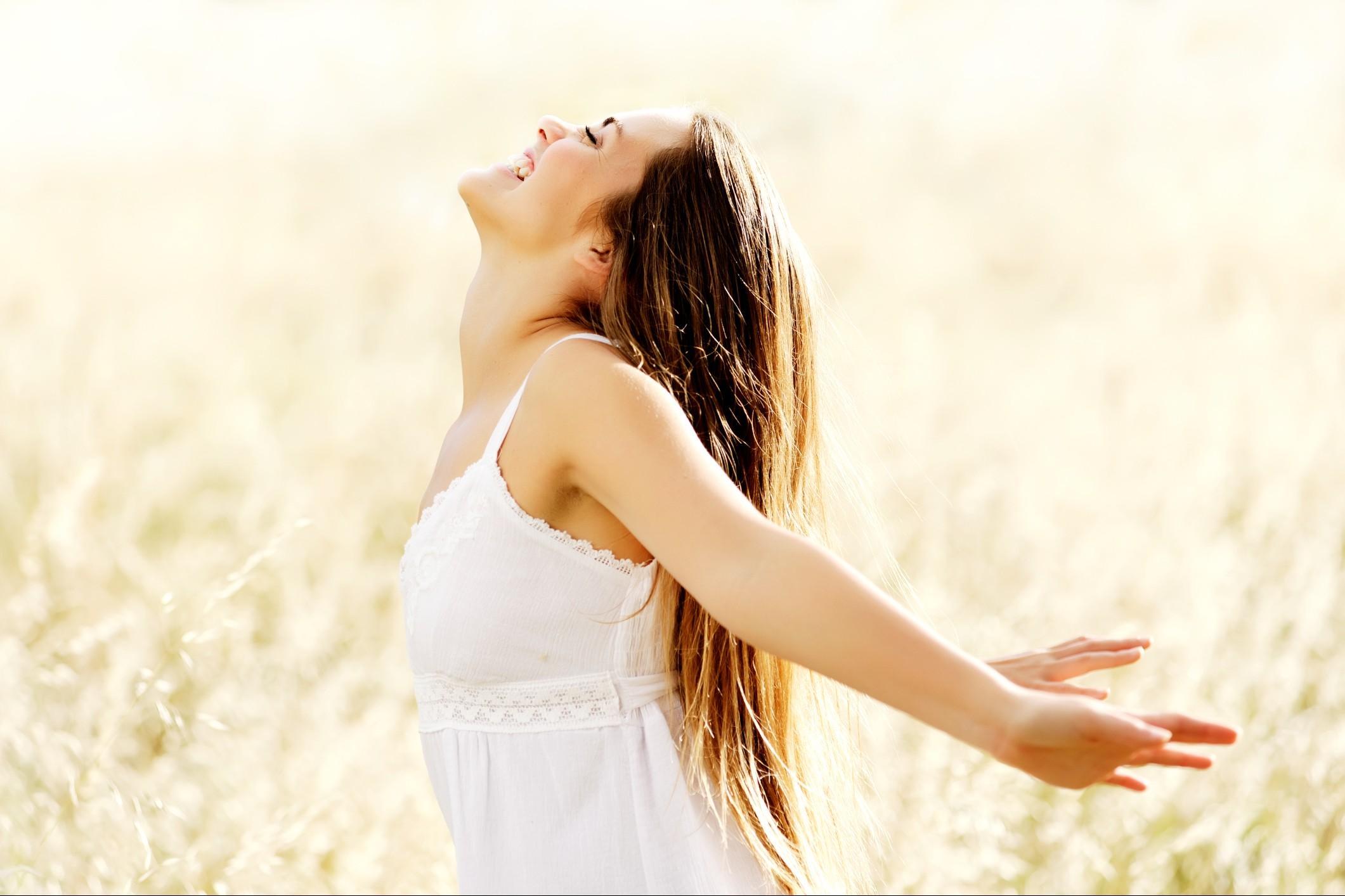 8 cose da fare per essere felici (secondo la scienza)