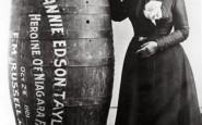 Annie Edison Taylor, la prima persona a sopravvivere alle cascate del Niagara in un barile, 1901