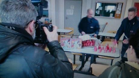 Trovato con 50 bombe carta nel bagagliaio, arrestato
