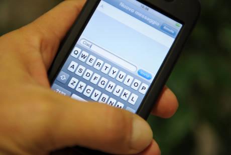 TELEFONINI, IL SORPASSO DEL WEB SUGLI SMS
