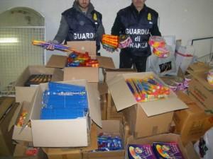Guardia di Finanza Busto Arsizio - sequestro fuochi di artificio