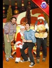mall-santa-cryingadults