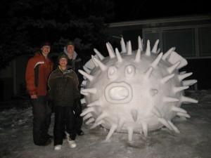 pesce-palla-gigante-di-neve-in-New-Brighton-Inghilterra